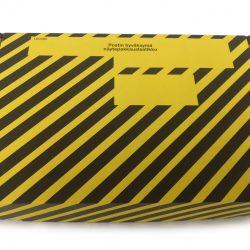 Laatikko kelta-musta, sisäkorkeus 65 mm, ulkomitat 290 x 190 x 70 mm
